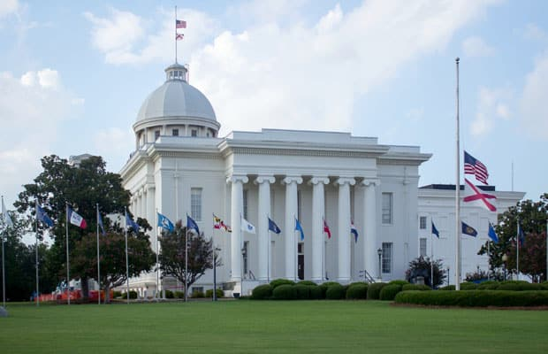Alabama passes DFS bill